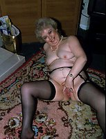 Older dames know how to make it hot, especially if they are famour older whores!