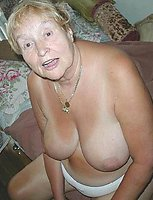 very old amateur grannies poser
