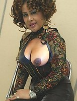 big boobed milf playing with herself
