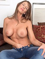 Honry hard-bodied Bibette plays with tits