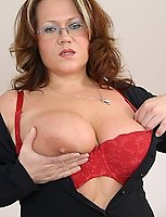 This horny big titted mature slut sure knows to give men a good time